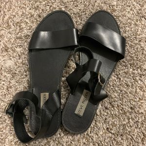 Black Leather Steve Madden Sandals size 9